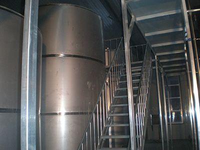 供应不锈钢罐体平台